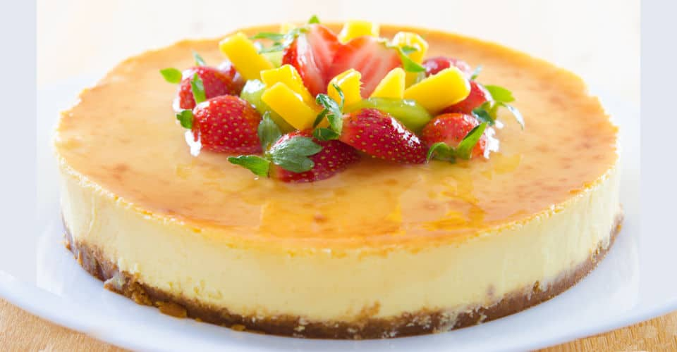 strawberry cheesecake with fruits