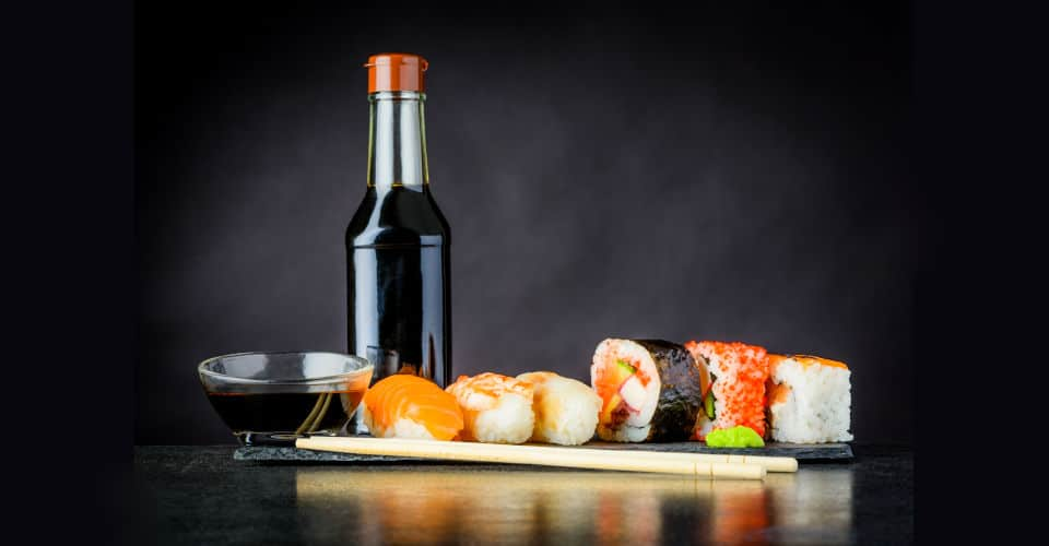 sushi rolls with soy sauce